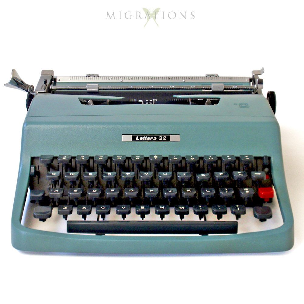 Olivetti lettera 25 in daffodil yellow typewriter olivetti.