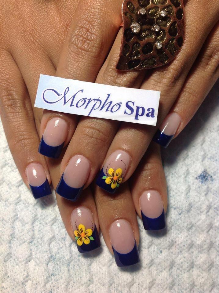 Puntas azules con flor | Uñas | Pinterest | Puntas azules, Azul y Flor