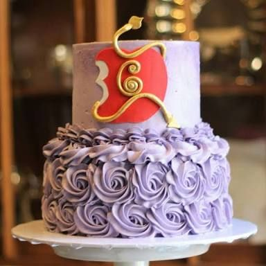 Resultado de imagem para descendants cake Bolos Pinterest - halloween birthday cake ideas
