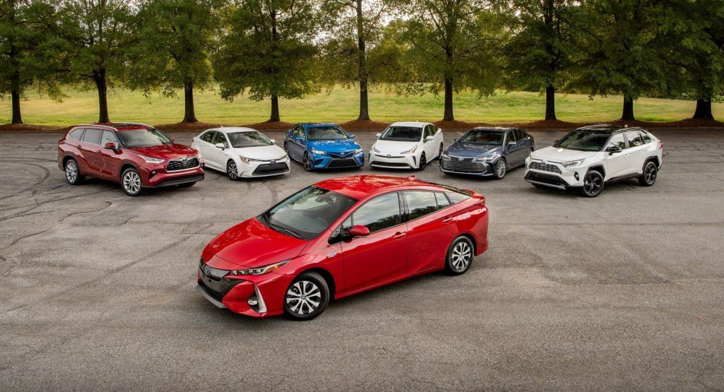 Toyota Extends Hybrid Battery Warranty To 10 Years 150 000 Miles