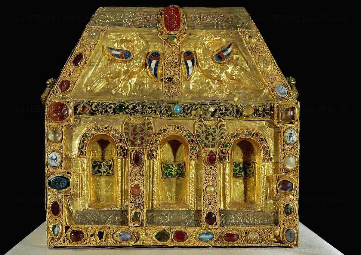 MEDIEVAL RELIQUARY 9TH  Pippin's reliquary,or the reliquary of the circumcision 9th-11th century.Reverse side with birds (eagles? doves?)with enamelled wings;in the center of the roof an antique gem of cornelian representing Apollo.