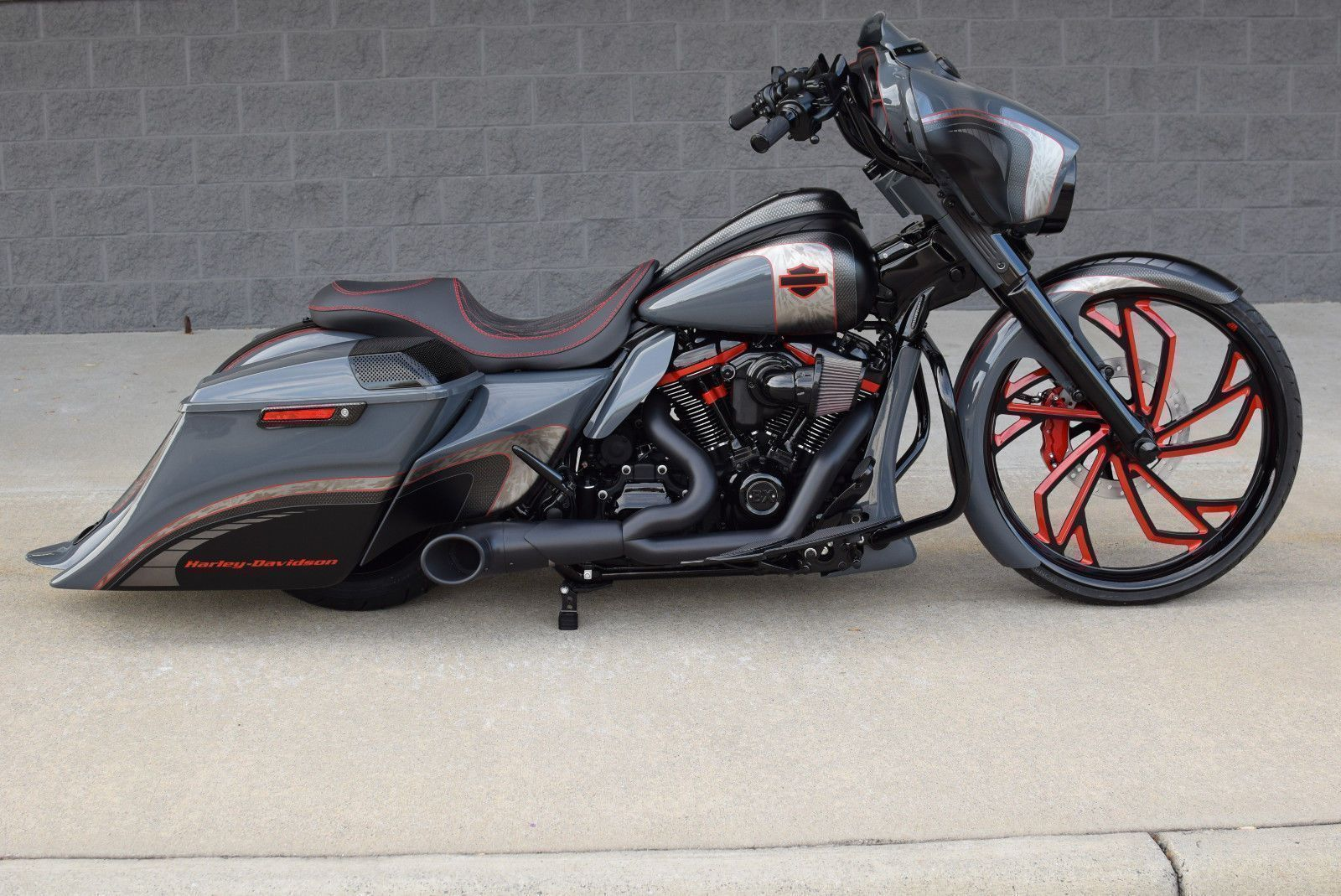 eBay: 2018 Harley-Davidson Touring 2018 STREET GLIDE BAGGER *1 OF A ...