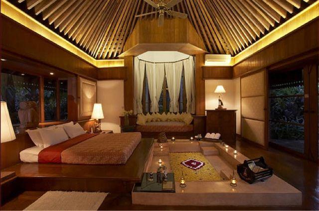 Royal Bungalow Del Kandawgyi Palace Hotel En Yangon Myanmar At Our