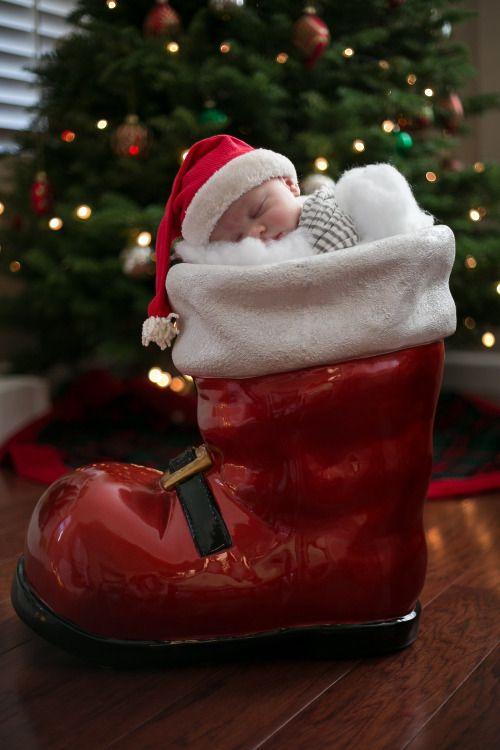 Baby Christmas Portrait Santa- SoCal Photographer- Kali Yahn Photography.  kaliyahn.com  http://kaliyahnphotography.tumblr.com/