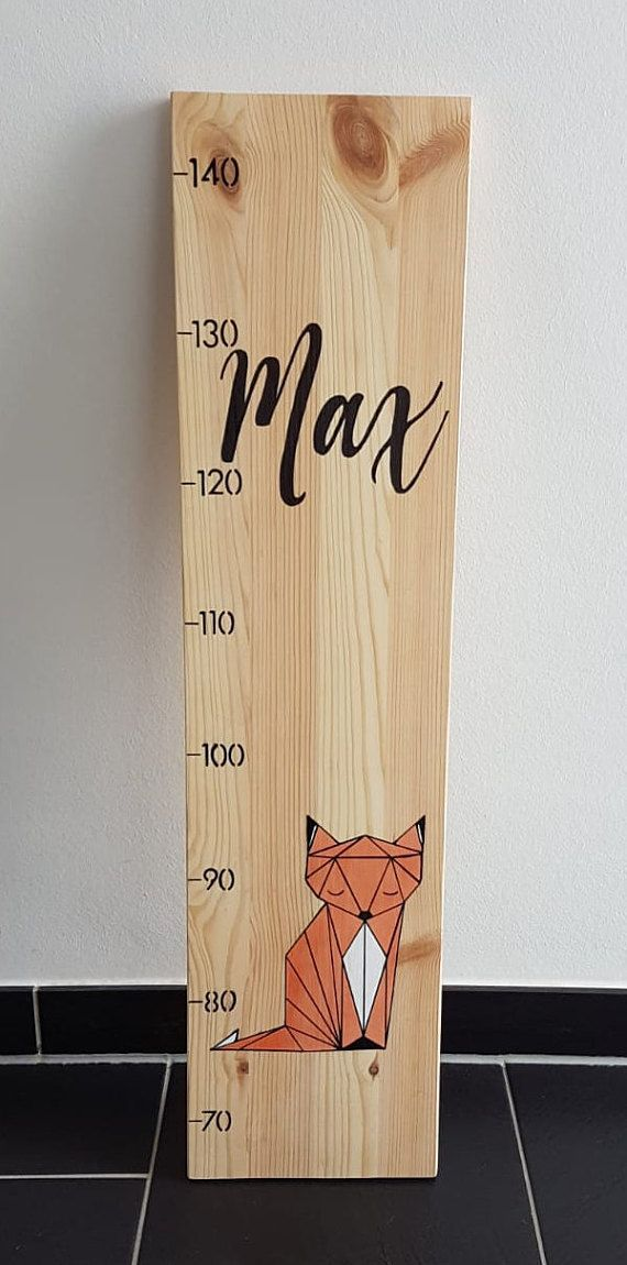Personalisierbare Messlatte Fuchs aus Holz für Kinder