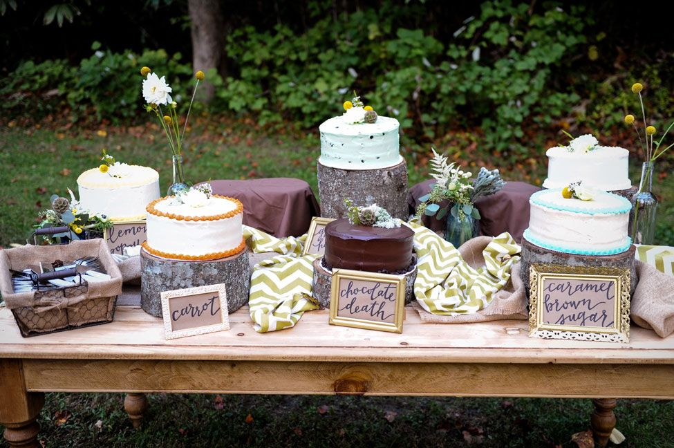 country chic wedding cake table country singer emily hearn diy chic rustic country 12977
