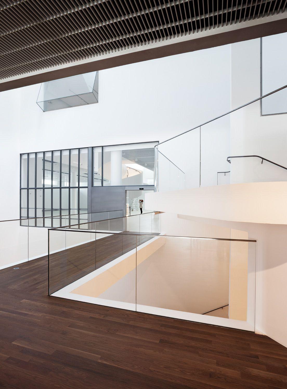 Museum design interior cerca con google