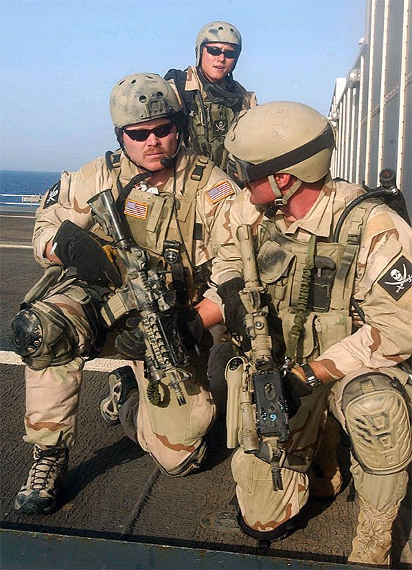 Modern Us Navy Seals Note The Calico Jack Jolly Roger Patches Navy Seals Us Navy Seals Military Special Forces