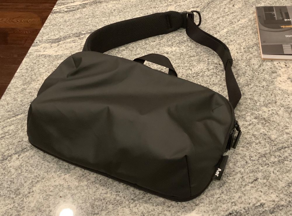 Aer Tech Sling Perfect Condition fashion clothing