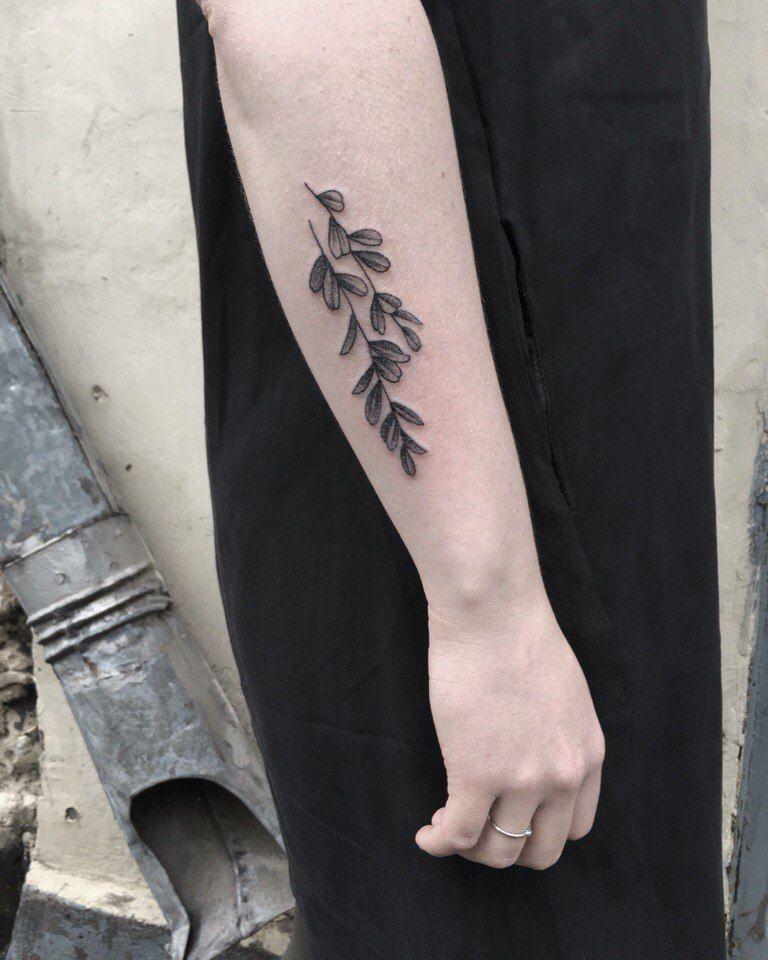 Minimalist Simple Leaf Tattoo: Minimalist Leaf Tattoo From Tumblr (With Images)