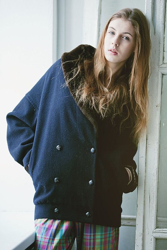 1980's wool vintage jacket with fur collar / navy by CoverVintage