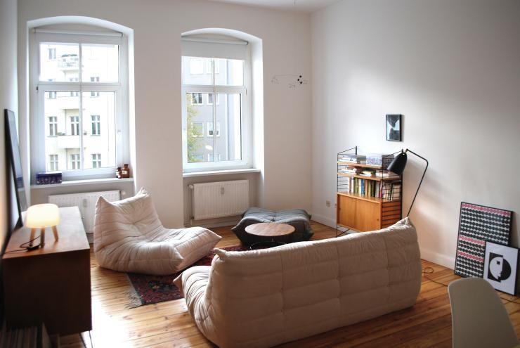 Gemtliches Altbau Wohnzimmer Mit Holzdielenboden Dielenboden