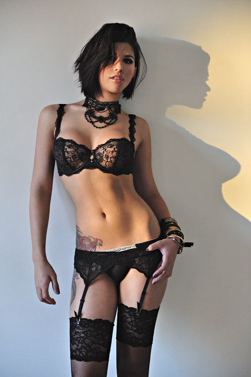 sexy-tranny-posing-in-hot-black-lingerie-us-woman-winter-olympics-in-japan