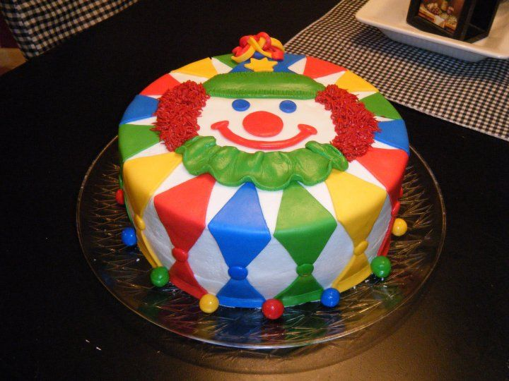 Excellent Clown Cake With Images Clown Cake Circus Cakes Childrens Funny Birthday Cards Online Inifodamsfinfo