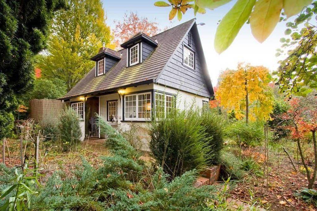 25/34 Autumn Cottage exterior, Cottage, Fairytale cottage
