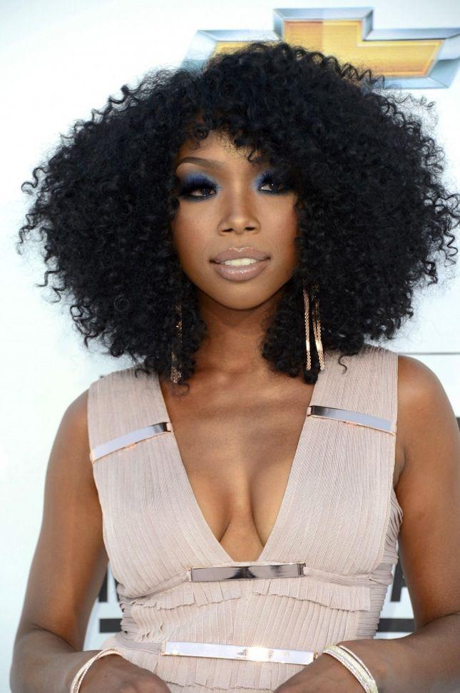 19 Celebrities Who Rock Natural Hair Natural Hair Styles Celebrity Hairstyles Cool Hairstyles