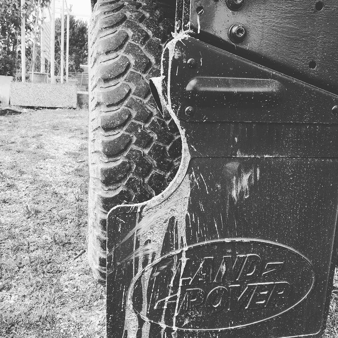 Mud slave... #defender #defender90 #landrover #landlover #landroverdefender #landroveritalia #mud #offroad by perfect77 Mud slave... #defender #defender90 #landrover #landlover #landroverdefender #landroveritalia #mud #offroad