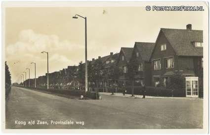 Langs de provinciale weg staan een aantal prachtige villa's voor fabrieksdirecteuren uit de jaren dertig. Ik heb er nog niet de juiste foto van, dit zijn de kleinere woningen die er naast staan. Ook mooi.