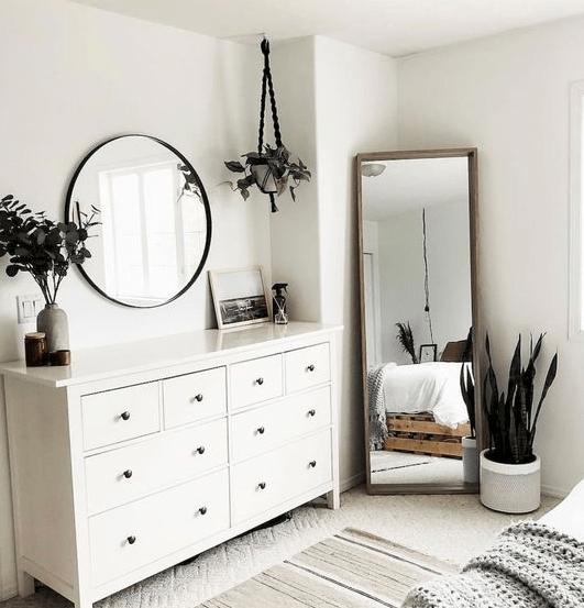 25 Adorable Bedroom Decoration Ideas #bedroomdecorationideas #eweddingmag.com #HomeDecorationIdeas #HomeDesign