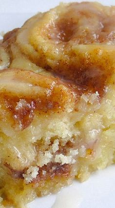 Cinnamon Roll Cake ~ Buttery, cinnamon goodness... Absolutely Delicious! #rollcake