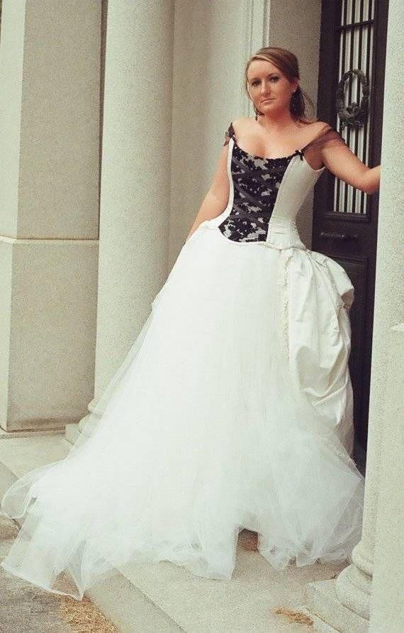 Black And White Corset Wedding Dresslike Sleeves Cinderella