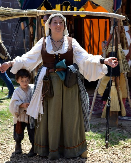 Keep Calm and Craft On A S&ling of Renaissance Faire Costumes  sc 1 st  Pinterest & Keep Calm and Craft On: A Sampling of Renaissance Faire Costumes ...