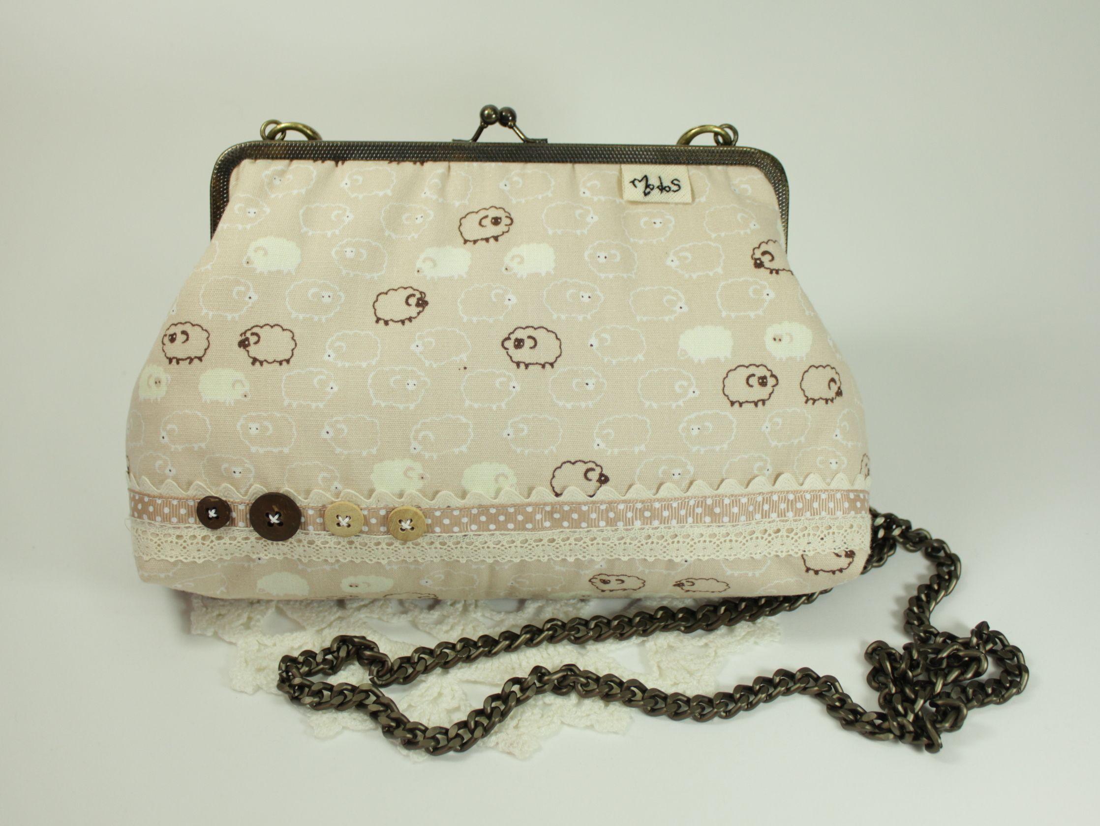 Modos de Mocinha, http://www.elo7.com.br/bolsa-da-vovo-carneirinho-carneirao/dp/28AB65    bolsa, bolsa de tecido, bolsa da vovó, carneirinhos, renda, bolsa vintage, bolsa retrô, vintage, retrô, clutch, purse,