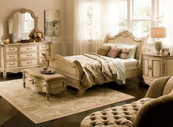 Empire 4Pcqueen Bedroom Set  Bedroom Sets  Raymour And Delectable Raymour And Flanigan Bedroom Sets Inspiration