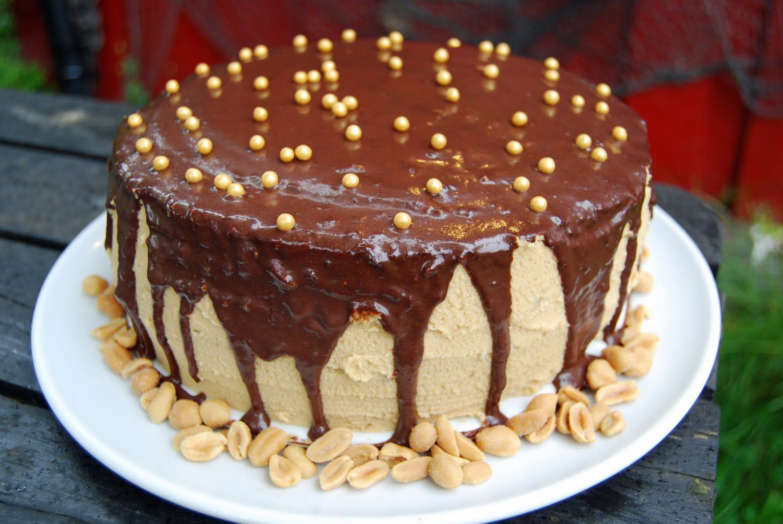Banankake med peanøtt frosting og sjokolade ganache « Sukkerfeen