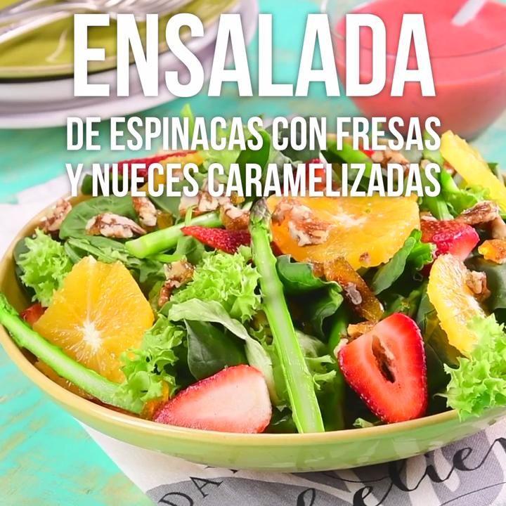Ensalada de Espinacas con Fresas y Nueces Caramelizadas