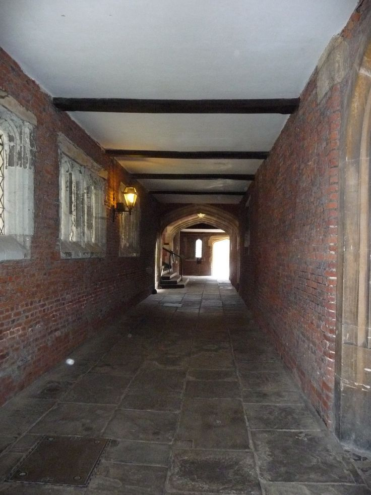 Photo of Hampton Court ~ I can just picture The Tudor court walking through here