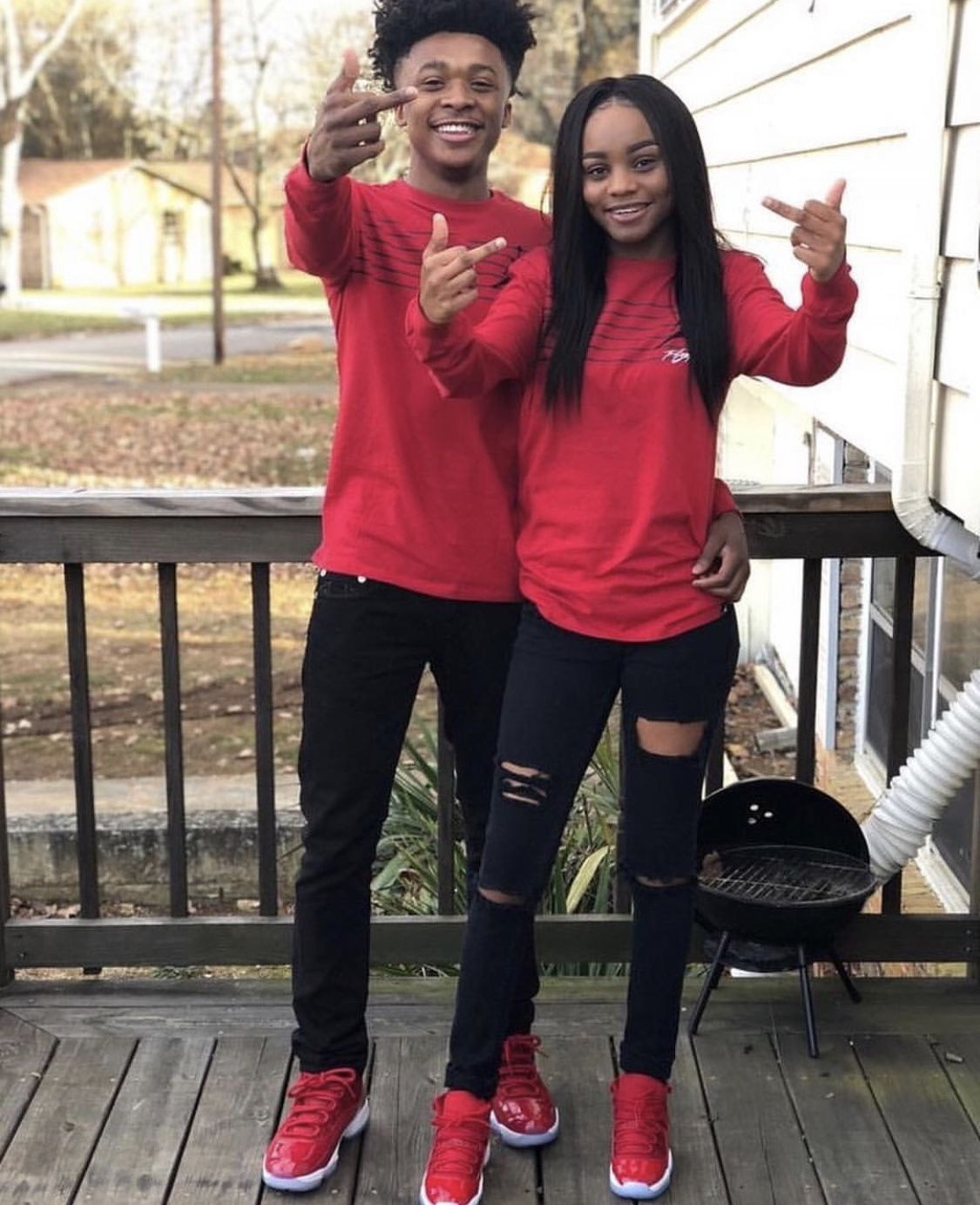 pinⒹⓐⓢⓘⓐ Ⓐⓡⓜⓞⓝⓘ on boo'd up  cute couple outfits