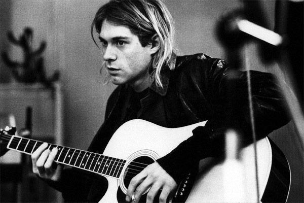 11.25.91 - NOB radiostudio (2 Meter Sessie), Amsterdam Jam (Grohl solo y acustico) Where Did You Sleep Last Night? Here She Comes Now Cancion Desconocida (Cobain en vocales y bajo, Novoselic en guitarra, Grohl en bateria)