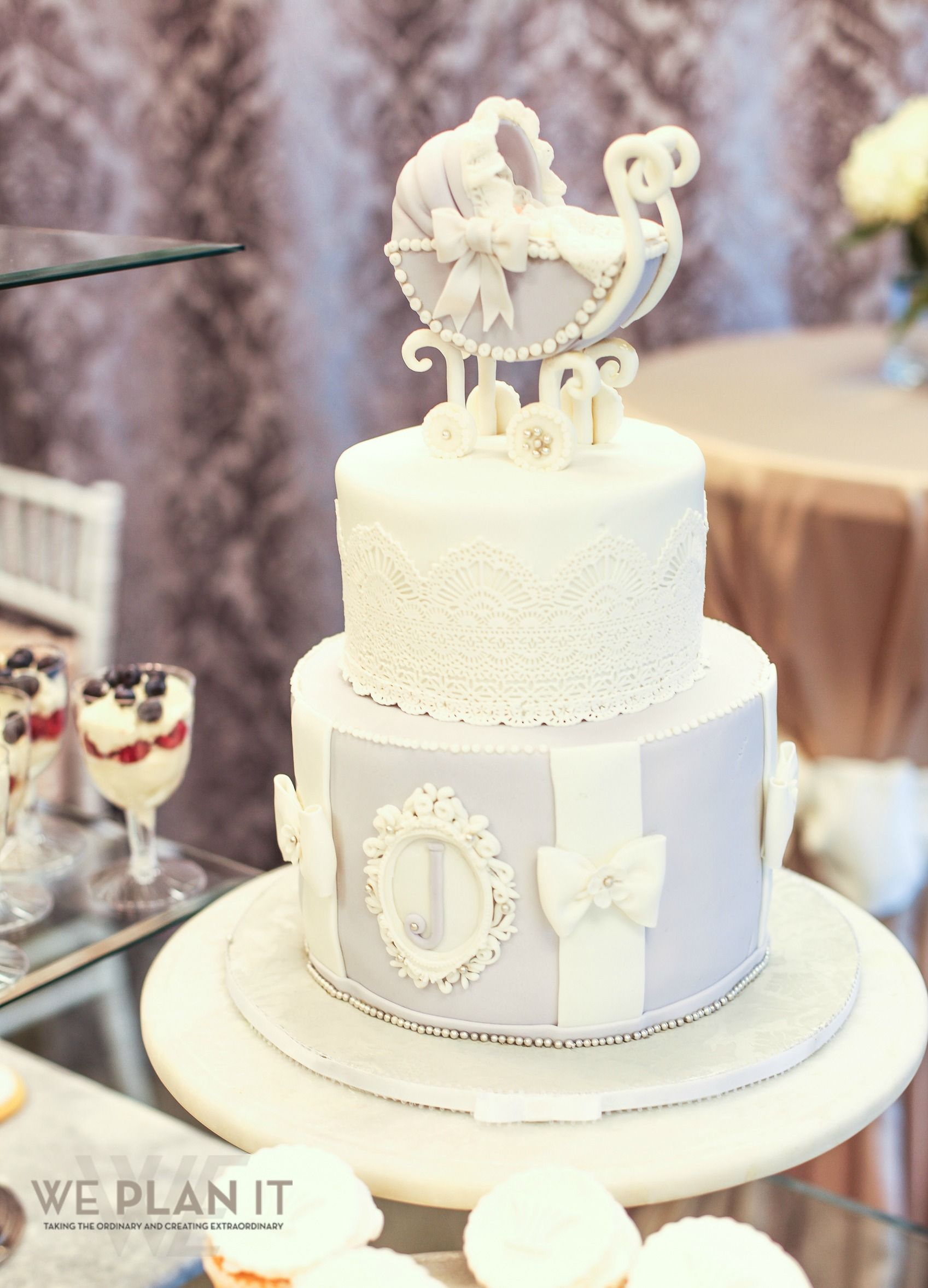 A gorgeous baby shower cake for a WE Plan It Baby Shower ... | {Küchenstudio plan 99}