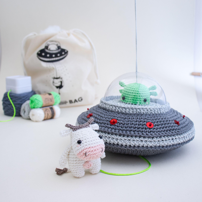 Aliens crochet pattern | PlanetJune by June Gilbank: Blog | 3000x3000