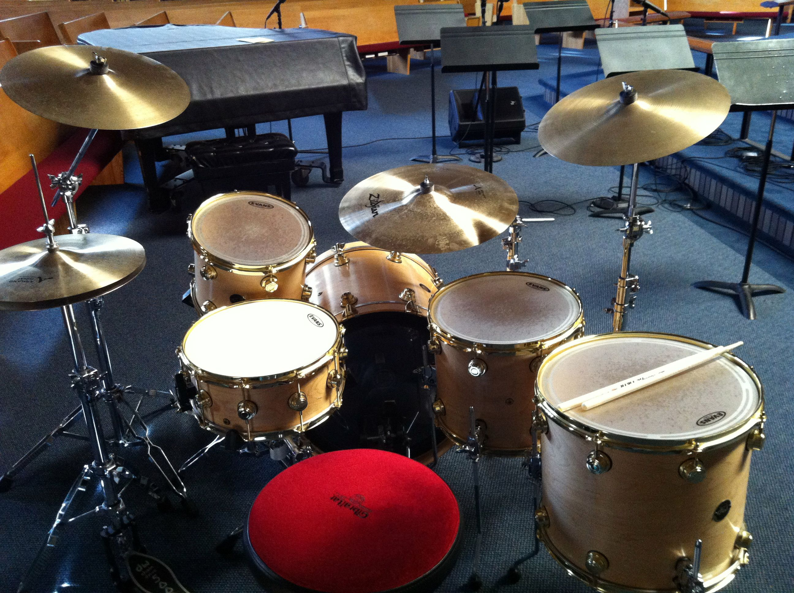 My Current Setup Drum Workshop Drums And Zildjian Cymbals That S A 10 X 12 Small Tom On A Snare Stand 12 X 14 And 14 Zildjian Cymbals Drums Drum Kits