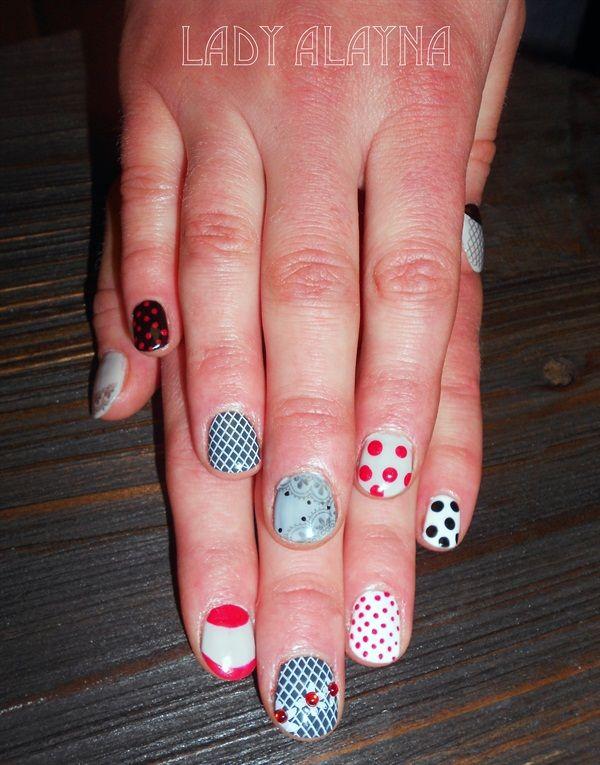 Day 137 Spots Stripes Nail Art Spot On Nail Art Pinterest
