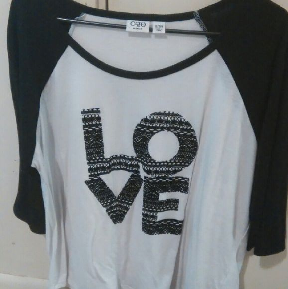 Fun and flirty t-shirt Like new.... 3/4 sleeves.... so comfortable and cute.. Smoke-free home.. Thanks for checking out my closet! Cato Tops Tees - Short Sleeve