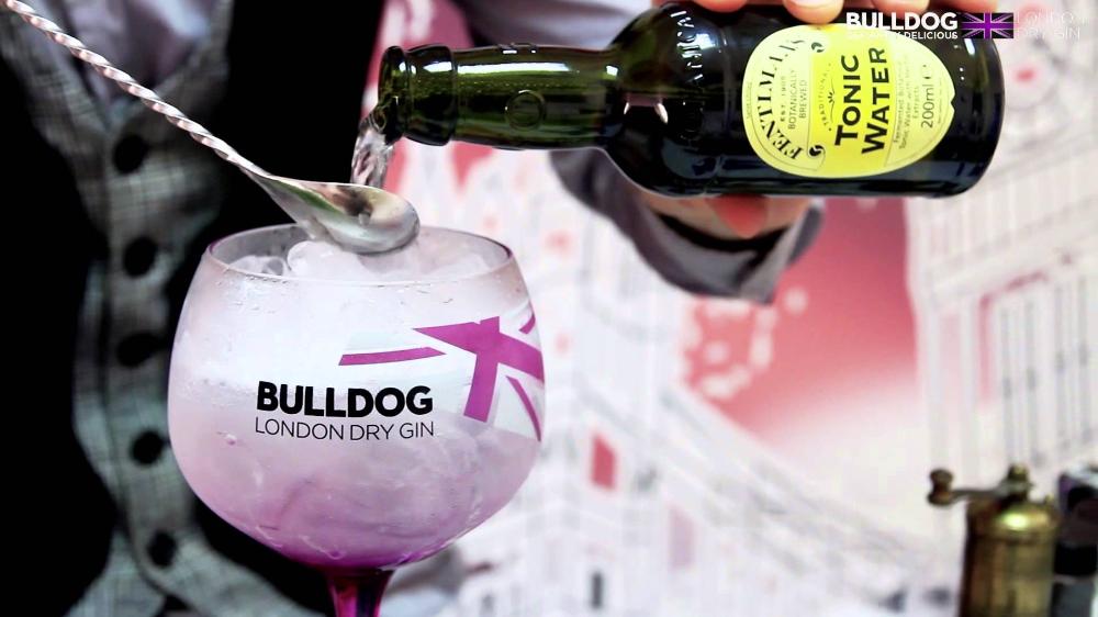 Bulldog Gin Info En Recepten Gintonic Be Gin Bulldog Recepten