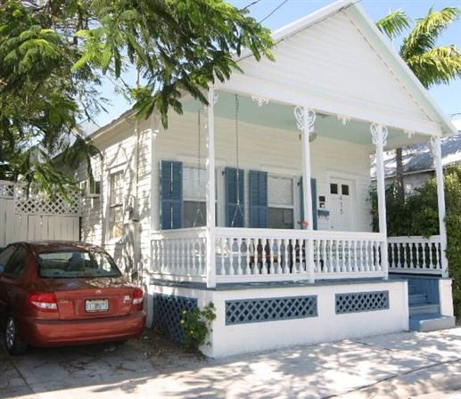 Cabin · Cozy Cottage In Key West ...
