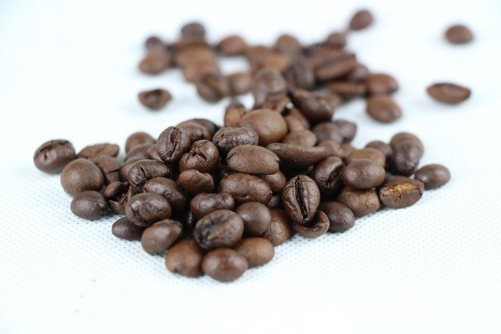 Kaffeesatz Im Garten Als Dunger Diese Pflanzen Lieben Ihn Kaffeepflanze Hochbeet Pflanzen Kaffeesatz