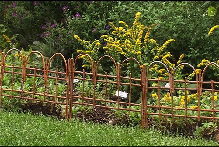 45 Money Saving Landscape Tips Decorative Garden Fencing Garden Fencing Garden Edging