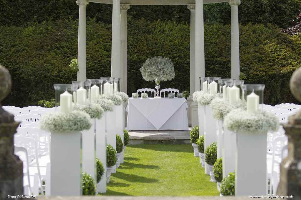 Wedding Aisle Decorated With Lanterns And Gypsophila The Pavilion At Rhinefield House Brockenhurst New Forest Hampshire Venue Dressing By Exclusively