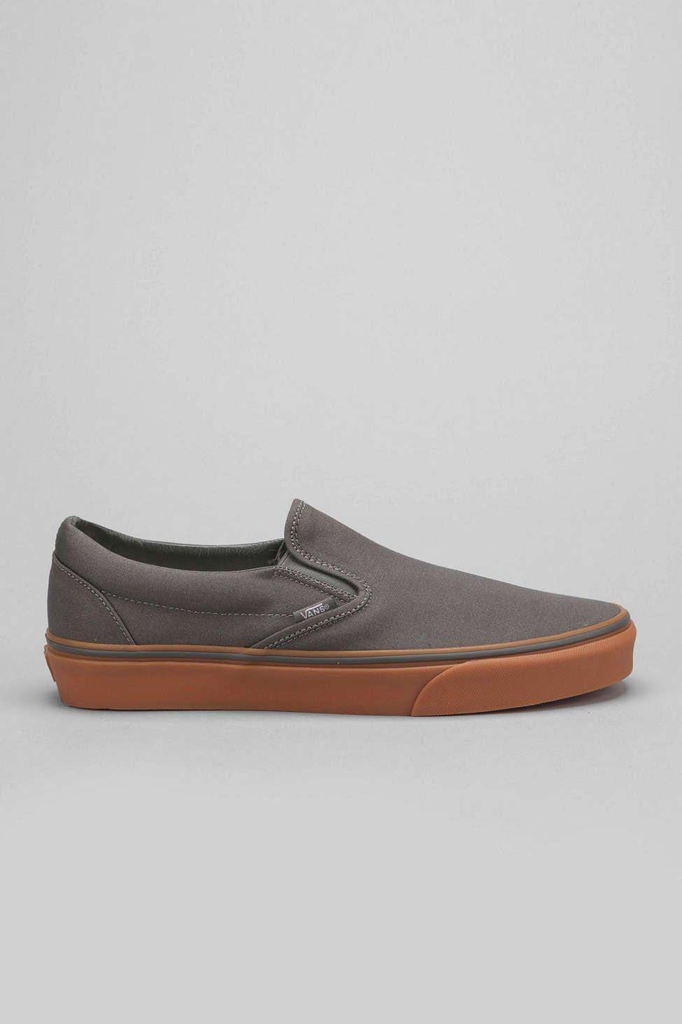 dd9bcb4c89 Vans Classic Gum-Sole Slip-On Mens Sneaker - Urban Outfitters sz 14 ...