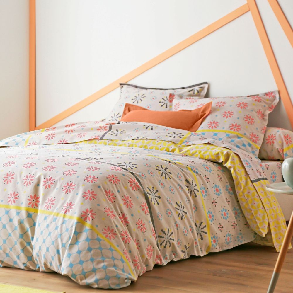 parure de lit blanche porte home linge de lit parure. Black Bedroom Furniture Sets. Home Design Ideas