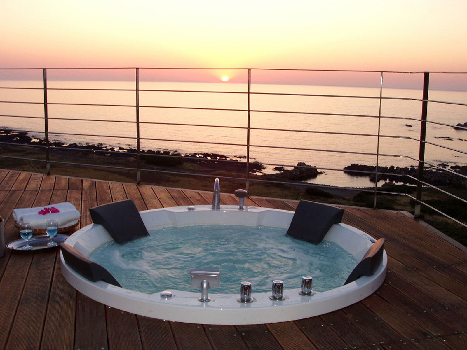 Elafonisi Villas, Villa Ostria // The Outdoor Jacuzzi Spa Overlooking The  Sun Setting Over