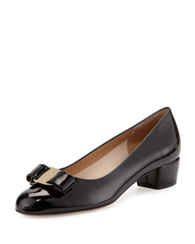 Salvatore Ferragamo Women's Vara Velvet Low Heel Pumps B8W5g