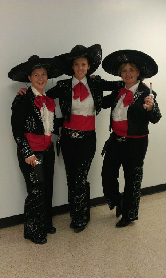 the 3 amigos do it yourself halloween costume won us 1st place
