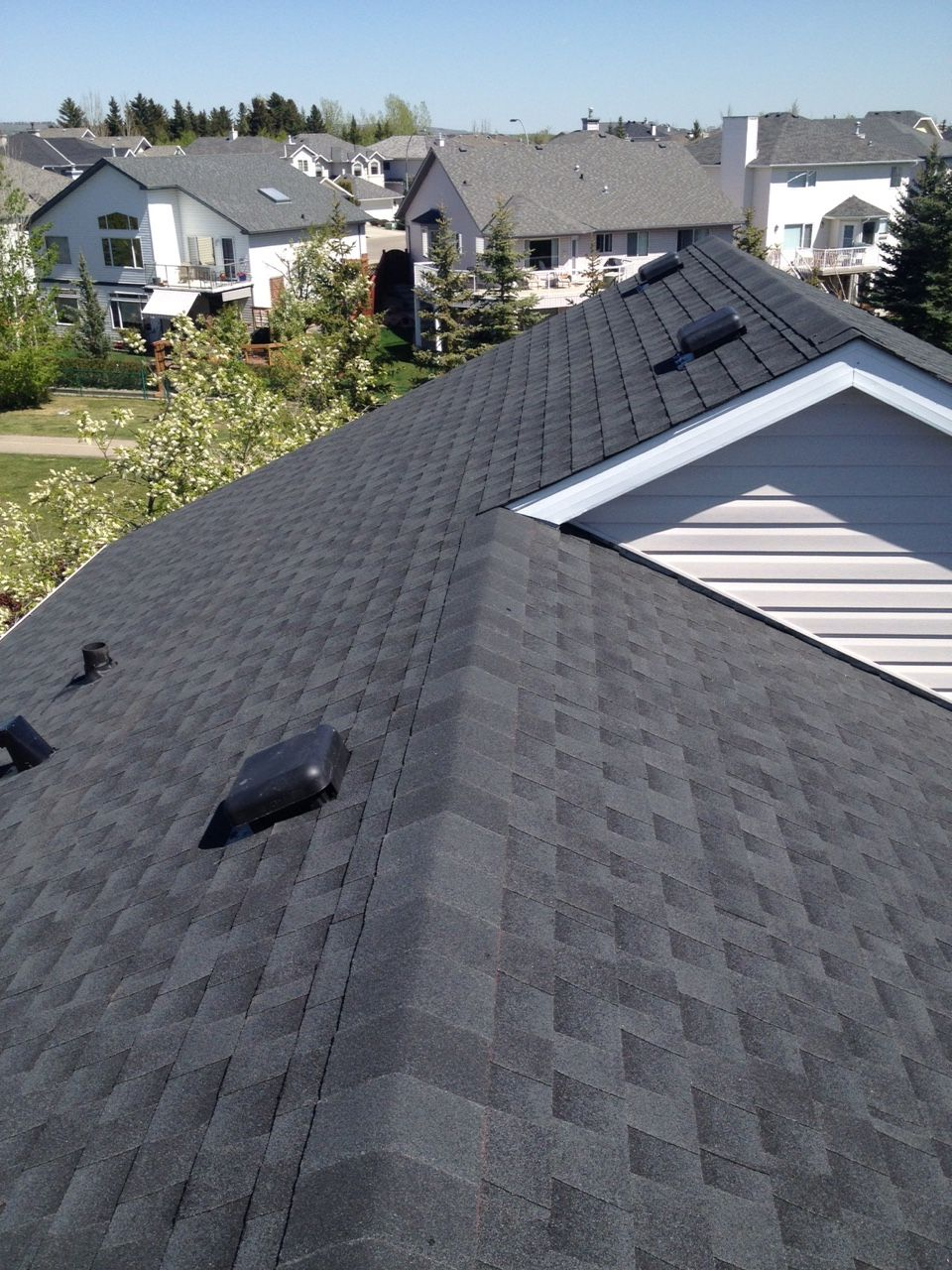 Best Cedar Shake Replacement In Valley Ridge Calgary With Gaf 400 x 300