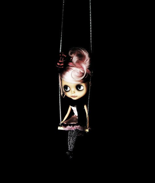Image from http://www.blythe-doll-fashions.com/wp-content/uploads/2010/10/Circus-girl-2.jpg.